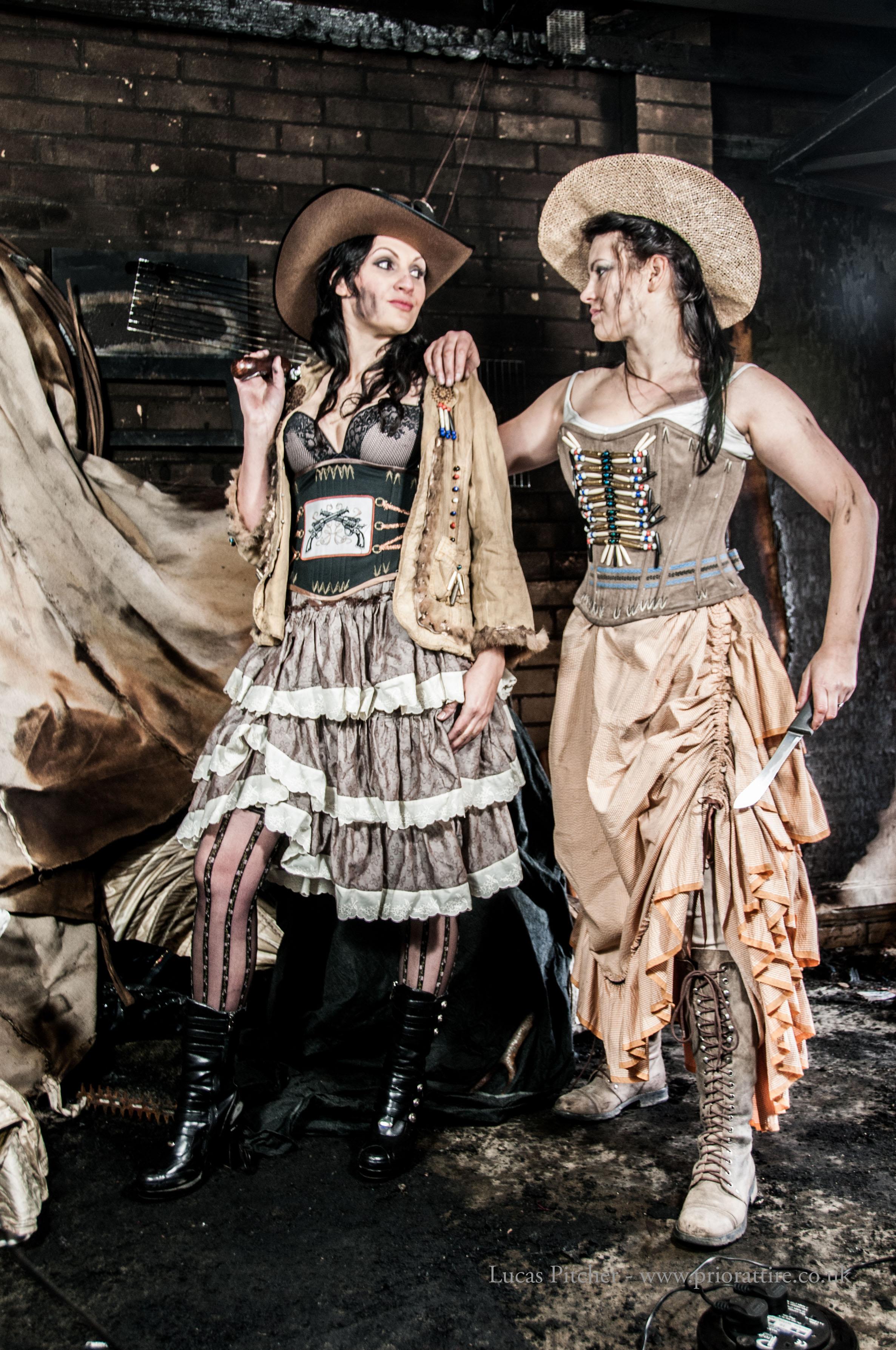 Steampunk Fashion: A Damsel In This Dress