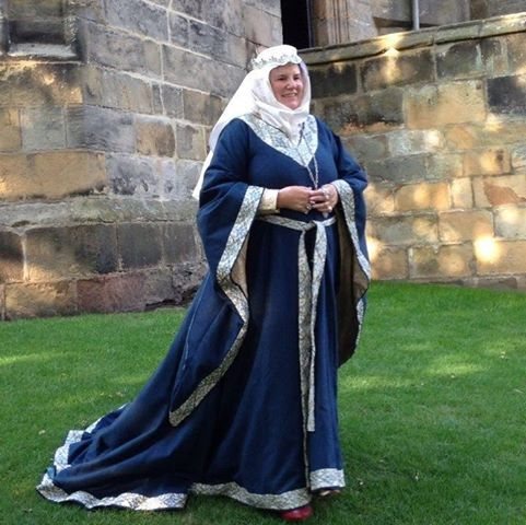 12th Century Dress The Bliaut A Damsel In This Dress