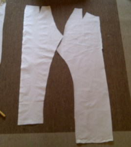 31.trousers cut in calico - front and back leg