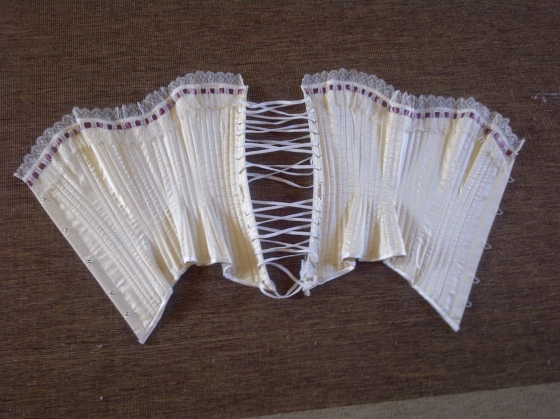 10. finished corset ( just flossing to do...)