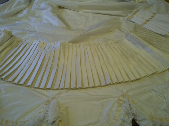 33. finished ruffle, ready to be added to the train