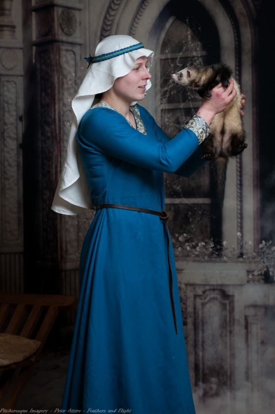 Ladies Mediaeval Attire-15
