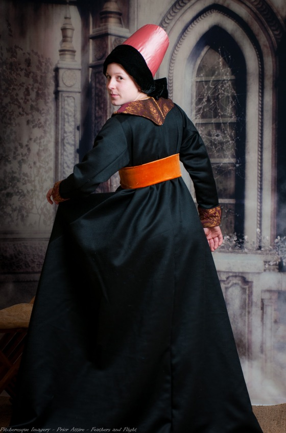 Ladies Mediaeval Attire-25