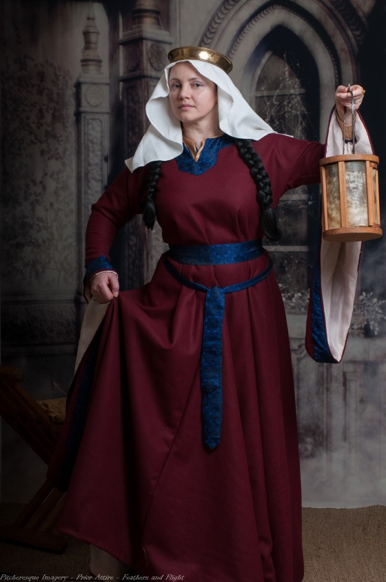 Ladies Mediaeval Attire-3