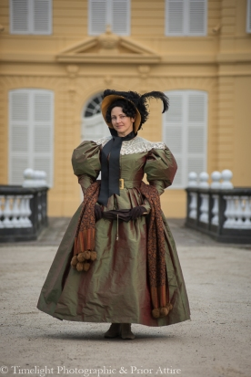 1830s Gown and Hooded Cloak (18)